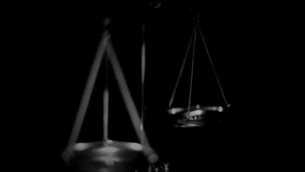 Váhy jako Symbol práva a spravedlnosti