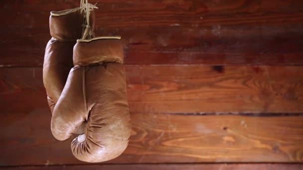Boxerské rukavice rotace