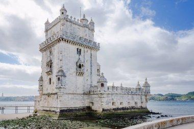 """Картина, постер, плакат, фотообои """"torre de belem - знаменитая достопримечательность лиссабона, португалия. картины города"""", артикул 464976706"""