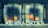 finestra atmosferica di Natale per uno sfondo con testo tedesco: chris