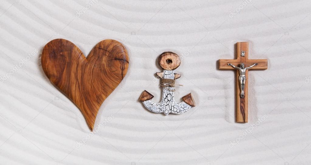 Cruz Corazon Y Ancla Significado Los Tres Símbolos De La Trinidad