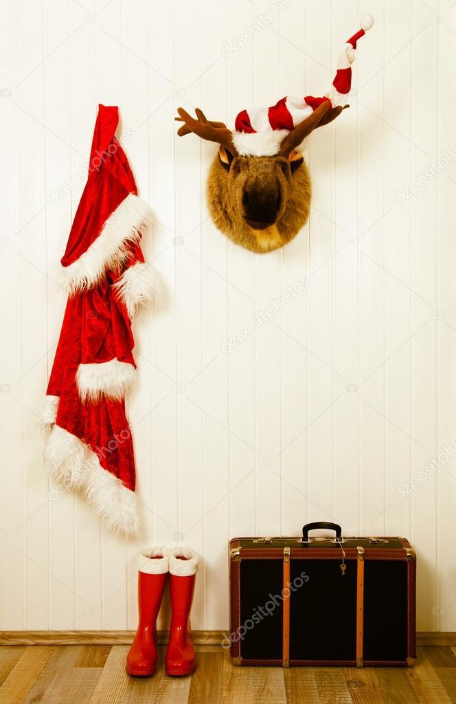 Antigua decoración para Navidad en estilo vintage en blanco rojo y b ...