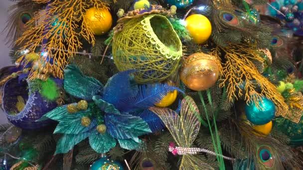 Luci scintillanti sullalbero di Natale