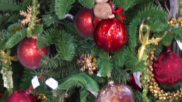 Tradiční zdobení na vánoční stromeček