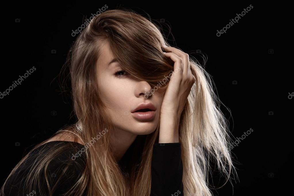 Сексуальные девушки с растрепанными волосами