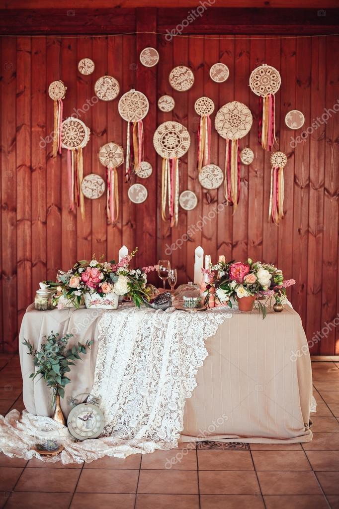Matrimonio Rustico Tavolo : Matrimonio sala decorazione floreale sul tavolo rustico