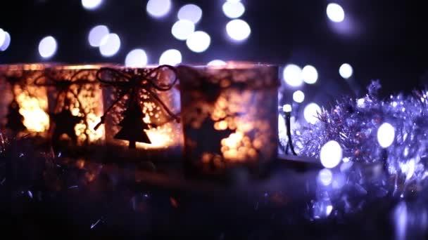 Advent, vier Kerzen dekoriert