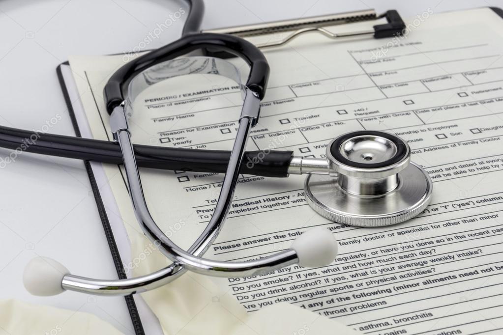 Stethoskop und weiße Handschuhe aus Latex ärztlichen Untersuchung