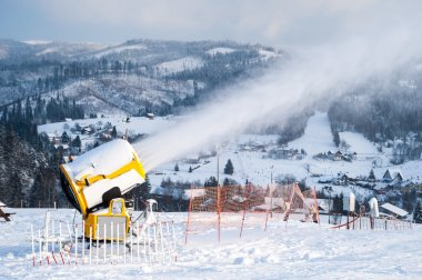 Snow cannons, snow guns