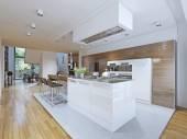 Photo Bright kitchen avant-garde style