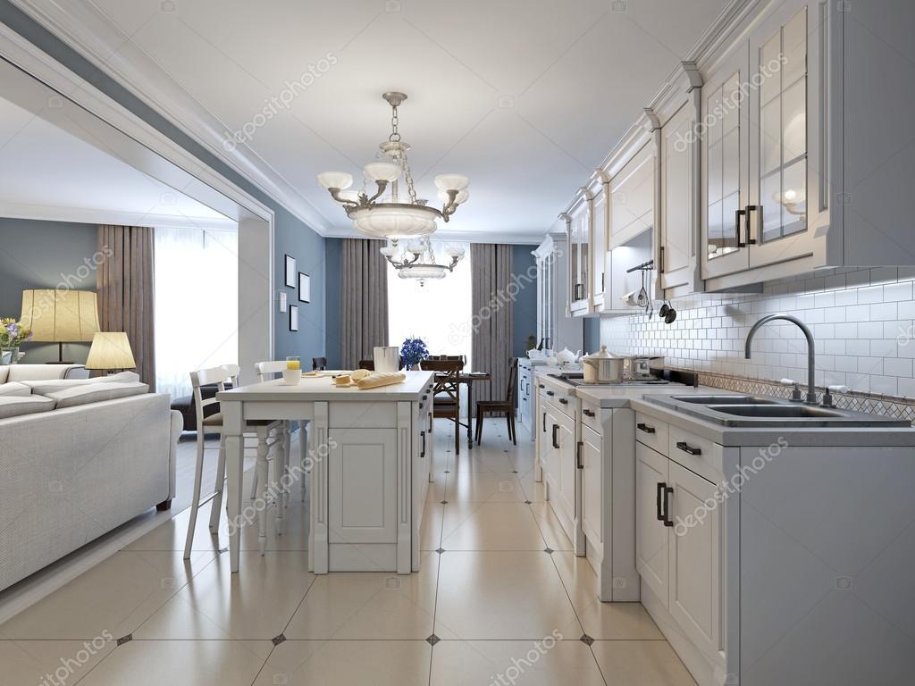 Küche Mit Geräten Aus Rostfreiem Stahl, Glas, Weiße Schränke, Weiße Ziegel  Backsplash Fliesen Backsplash, Einbau Panel Schränke Und  Granit Arbeitsplatten.