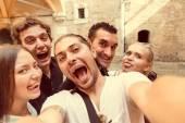 Selfie s přáteli v Miláně