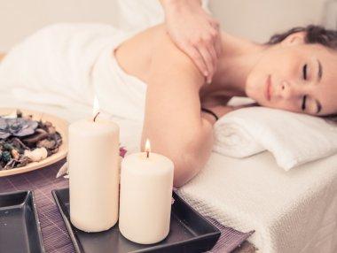 """Картина, постер, плакат, фотообои """"женщины сделать массаж в салоне красоты."""", артикул 71911365"""