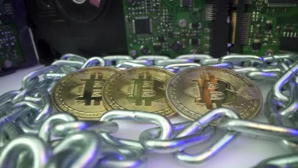 Blockchain-Blockchain-Kryptowährung verbunden Multifunktions-Blue-Chain-Teilchen Nahaufnahme. Kette besteht aus Netzwerkverbindungen Konzept. Digitale Kryptowährung. Neue moderne Technologie des Bergbaus und der
