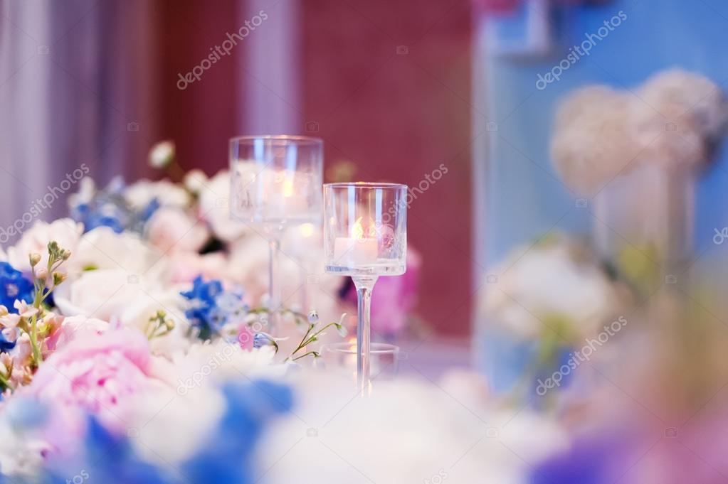 a2265bfd0efb Στολισμοί Γάμου με λουλούδια — Φωτογραφία Αρχείου © ver0nicka  124420638