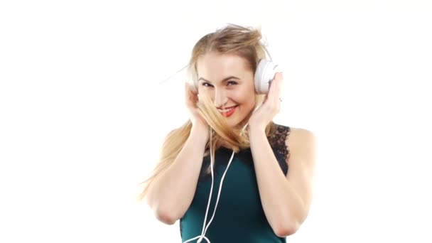 Beauty woman listening music in headphone