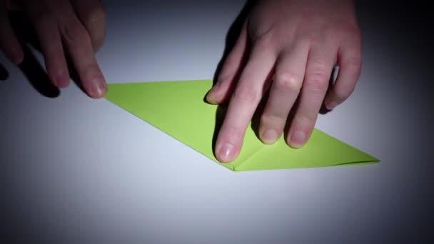 Hüpfenden Origami Frosch falten 🐸 Springenden Frosch basteln mit ... | 342x608