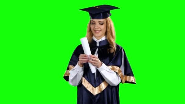 Absolvent. Předkládání diplomů. Zelená obrazovka
