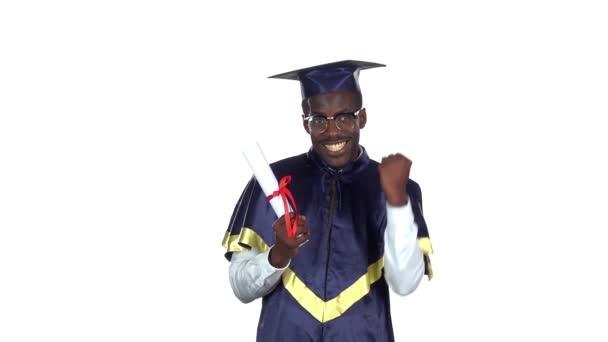 Oklevéllel rendelkező diploma. Lassított. Fehér