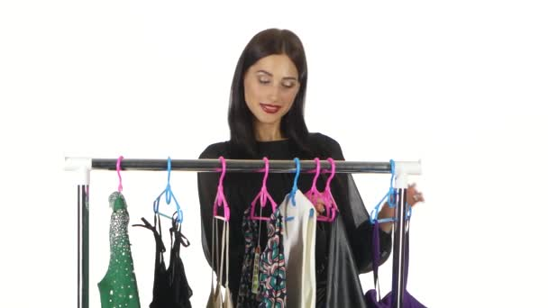 Žena, nákupy a nákupy módního oblečení. Bílá