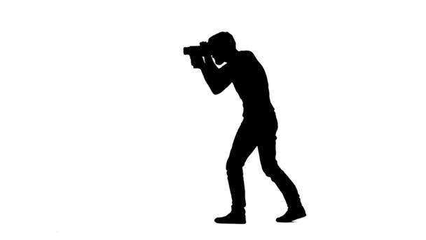 Der Bediener, der vorwärts und rückwärts arbeitet, zeigt unterschiedliche Gesten. Weiße