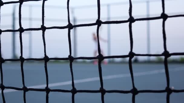 Školení tenista. NET v přední