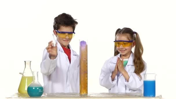 Děti, že úspěšný experiment