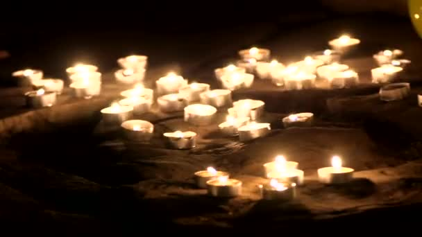 Romantic song from a variety of candles and roses