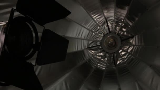 Apparecchiature di illuminazione studio flash e ombrello d