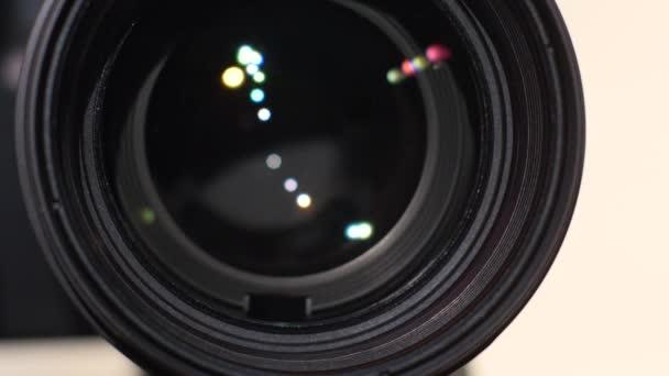 Transfokátoru kamery, oslnění, zavření