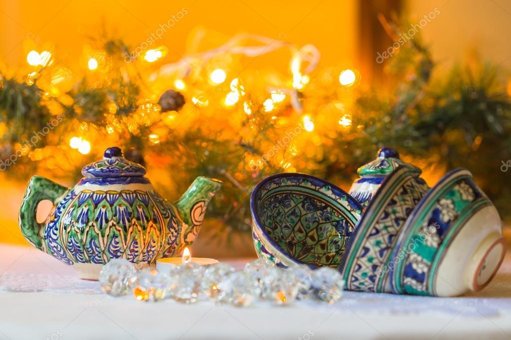 Bollitore e ciotole piatti tajik decorazioni di natale for Decorazioni piatti