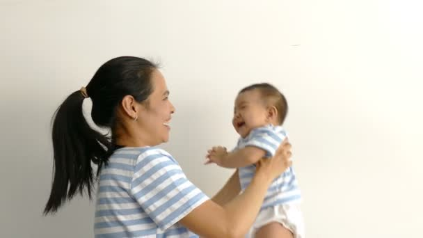matka a její dítě šťastné společně