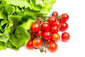 Kirschtomaten und Salat