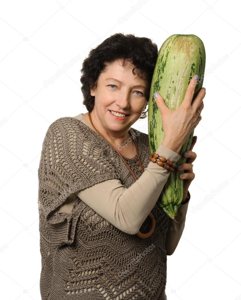 [Image: depositphotos_53134079-stock-photo-big-zucchini.jpg]