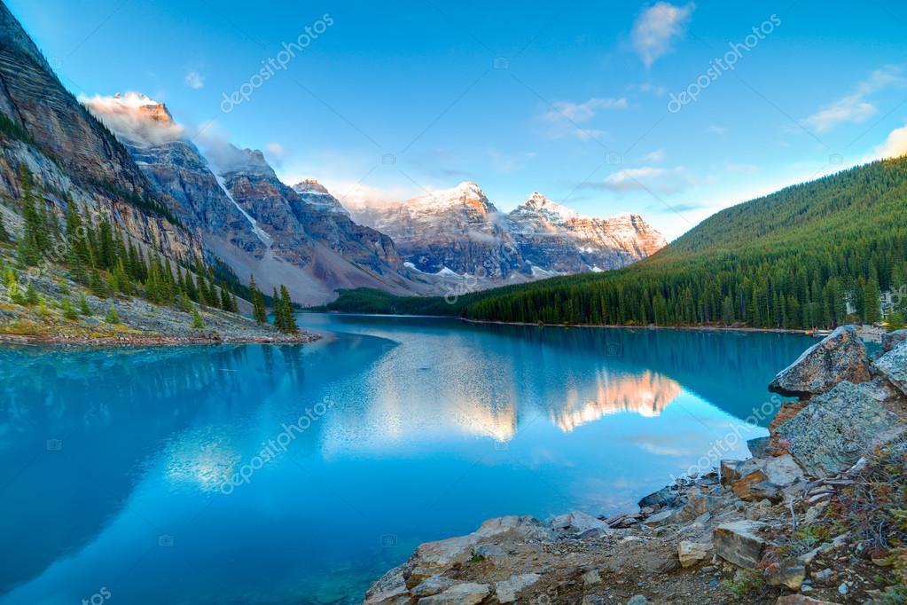 Sunrise at Moraine lake