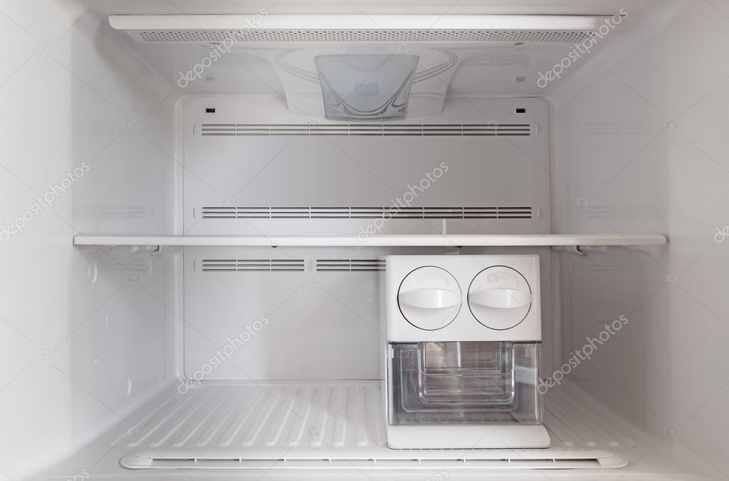 Een lege vriezer koelkast u stockfoto alexma