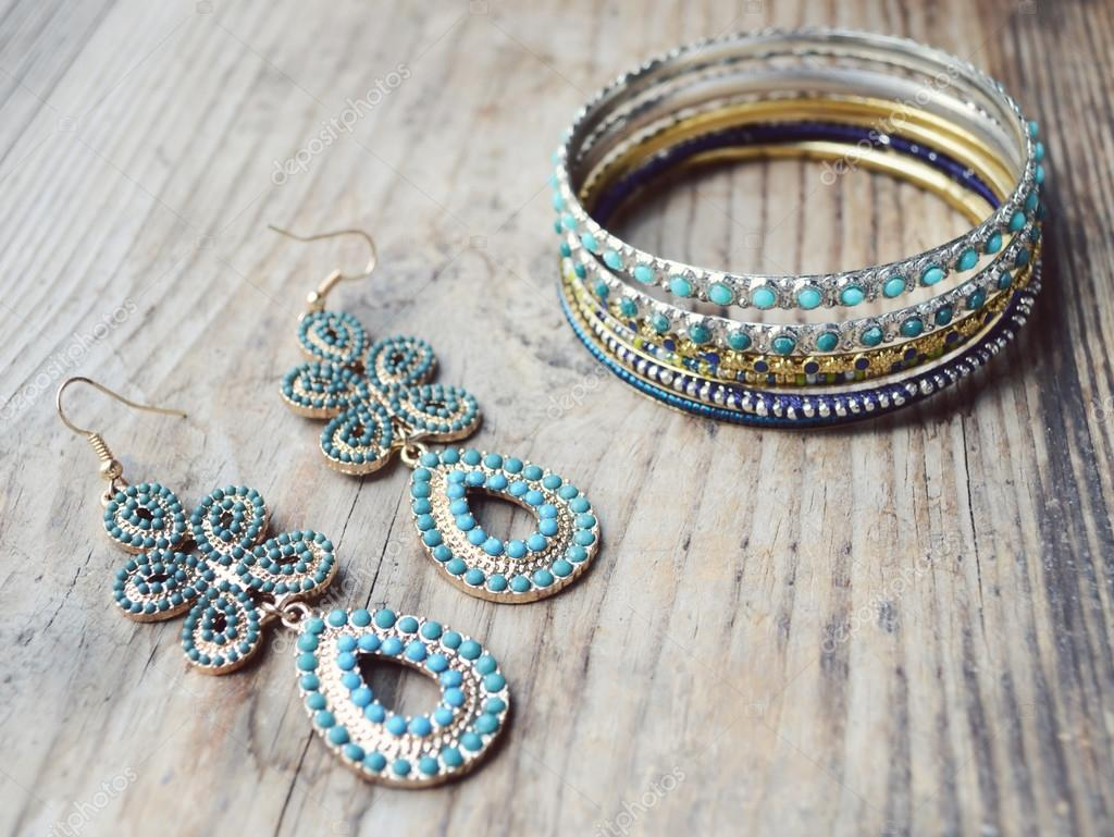 Beautiful expensive gold bracelets with long exquisite ...