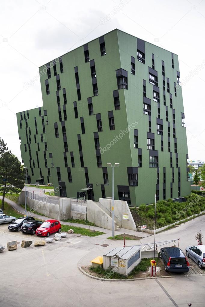 Moderni appartamenti residenziali soggiorno esterno di casa vicino a ...