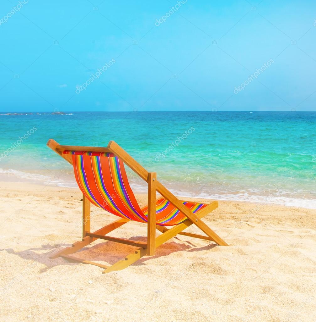 camastro en la playa foto de stock watman 67614267. Black Bedroom Furniture Sets. Home Design Ideas