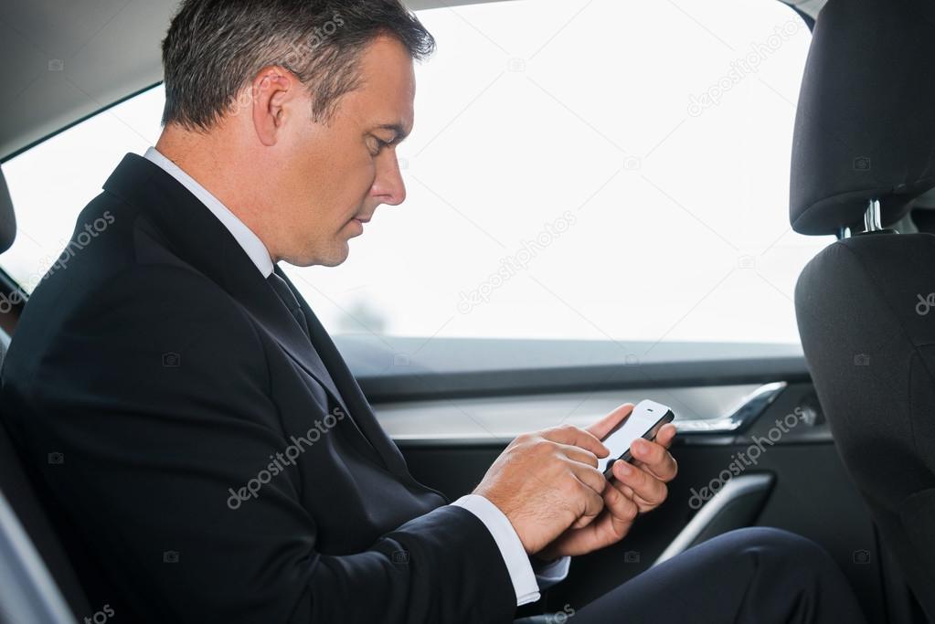 Фото шикарной зрелой в автомобиле графом онлайн