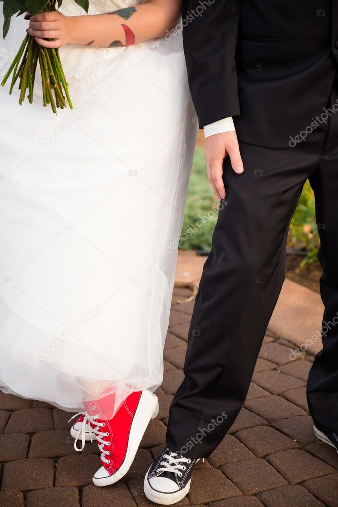 Groom And Portent Converse Bride Des U5XHwfq