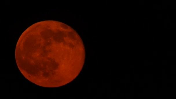 Časová prodleva krevní moon rising