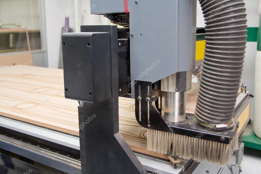 Cutting wood machine