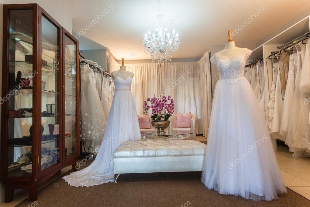 Abiti da sposa negozio arredamento disegni di moda per le spose di essere —  Foto di ChrisVanLennepPhoto b25fa46c7b4
