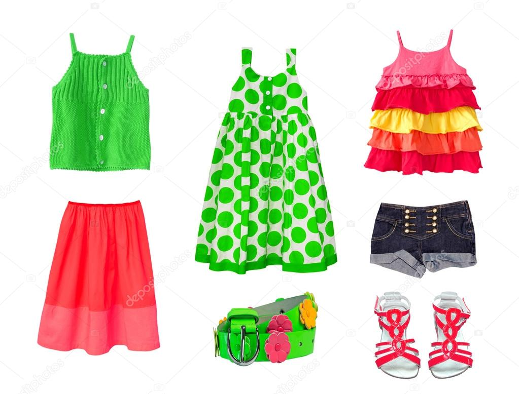 175fc82cf13b Collage de verde y rojo de ropa de niña de niño aislado. Chico mujer moda  ropa sobre fondo blanco. Conjunto de verano de desgaste y accesorios.