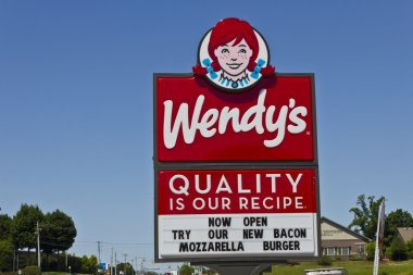 Indianapolis - Circa June 2016: Wendy's Retail Location. Wendy's is an International Fast Food Restaurant Chain V