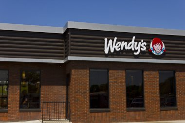 Indianapolis - Circa June 2016: Wendy's Retail Location. Wendy's is an International Fast Food Restaurant Chain VI