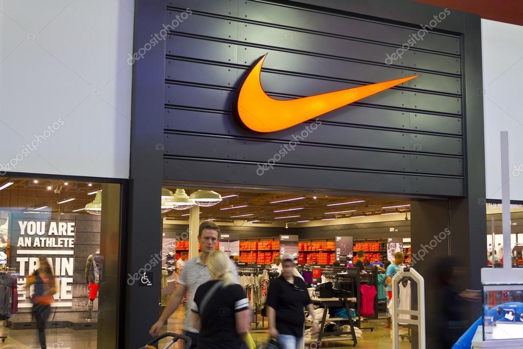 e9fef73cfcb Λας Βέγκας - περίπου Ιουλίου 2016: Nike παπούτσια λιανικής Mall τοποθεσία.  Nike είναι ένας