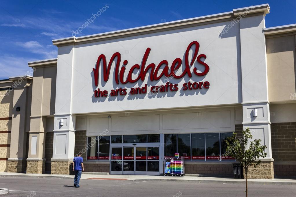 Muncie, IN - Circa August 2016: Exterior of Michael\'s Craft Store ...