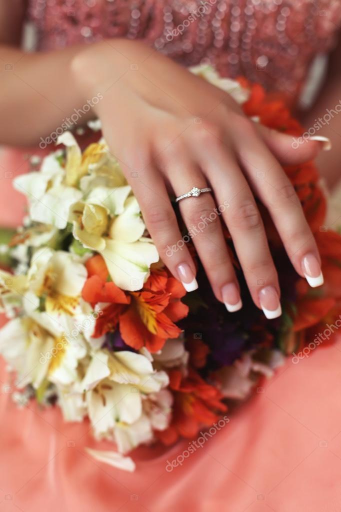 beautiful hand of bride with wedding ring — Stock Photo © Slava_14 ...